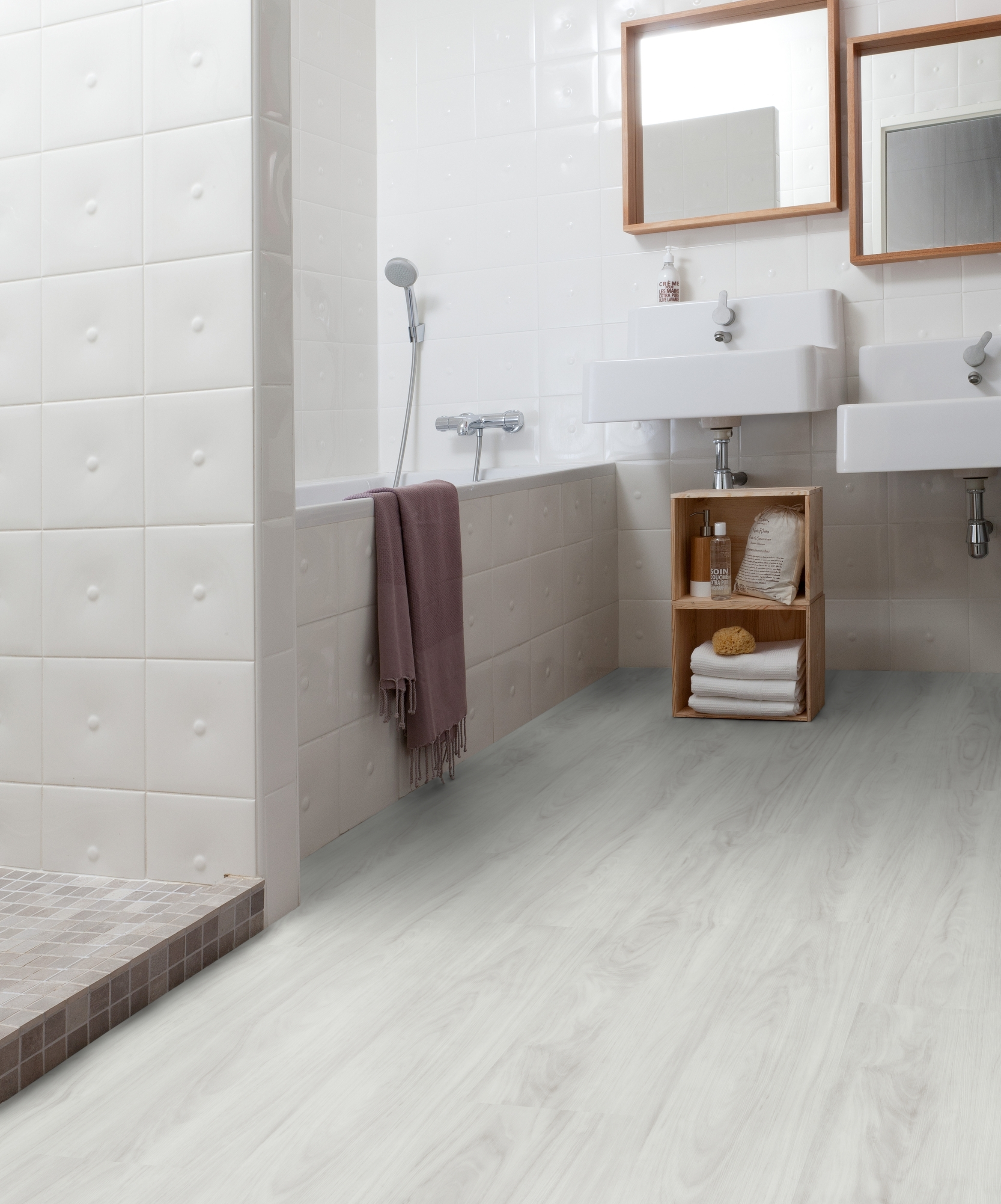 Bathroom floor covering gerflor slip resistant coverings for bathrooms and kitchens for Slip resistant bathroom flooring
